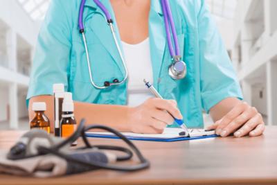 прописывание лечения при травмах бедра