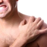 симптом травмы ключицы