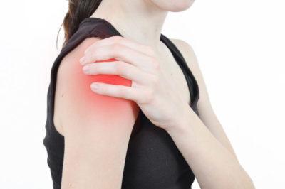 Изображение - Вывих плечевого сустава причины shutterstock_2705685081-810x538-400x266