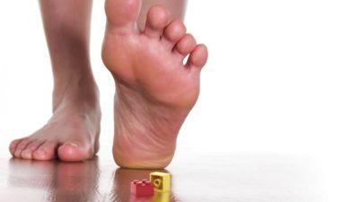 нога и лего