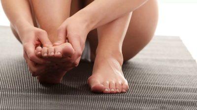 самомассаж пальцев ног