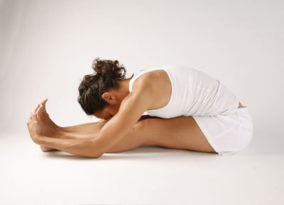 упражнение для растяжки сидя