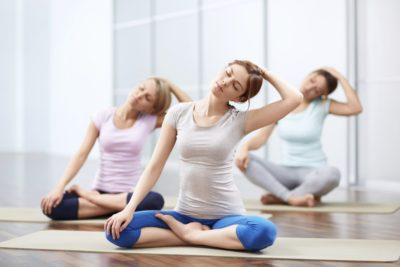 групповой сеанс йоги