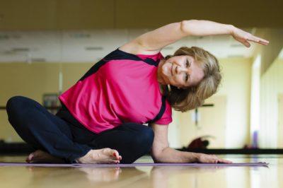 упражнения йоги для пожилых