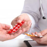 пациент получает лекарства
