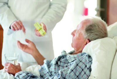 пациент принимает лекарства