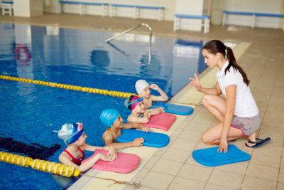 детский тренер по плаванию