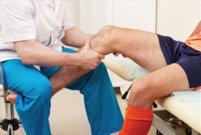 Посттравматический массаж колена