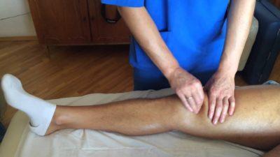 Изображение - Какой врач занимается суставами пальцев massazh_kolena_4-400x225