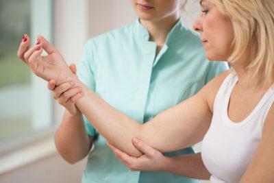 ручной массаж суставов